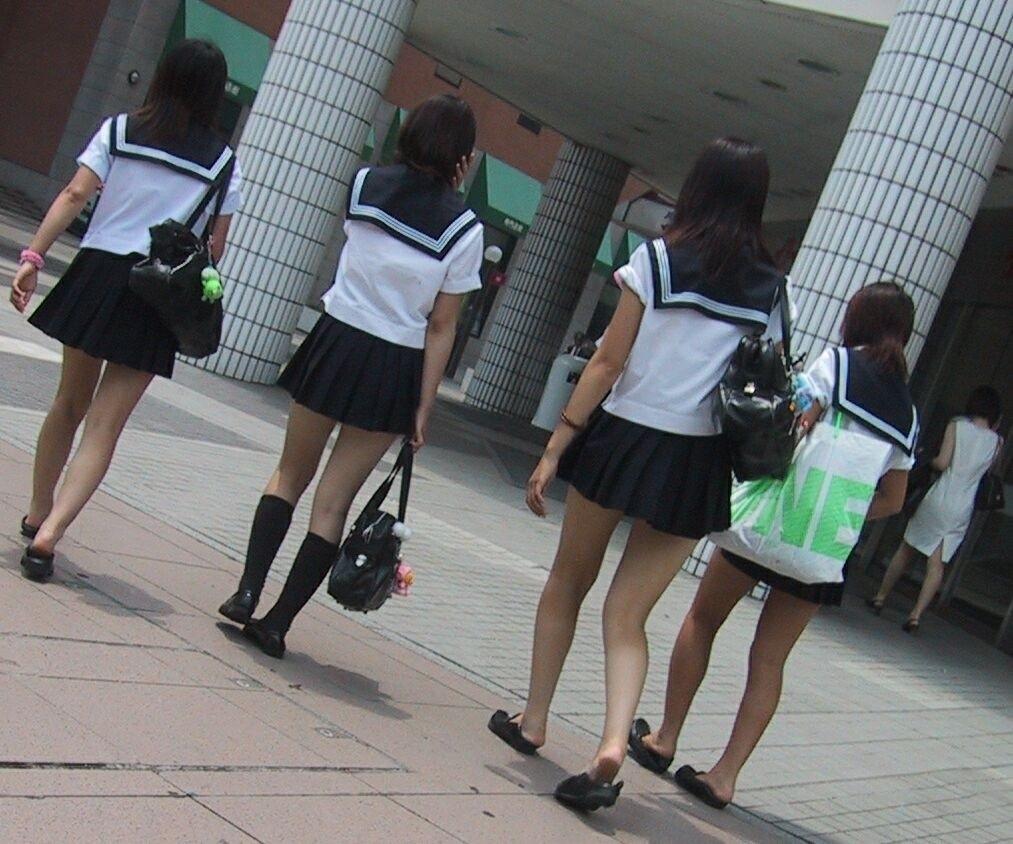 3次元 学校帰りの制服jk盗撮エロ画像 32枚 おっき速報