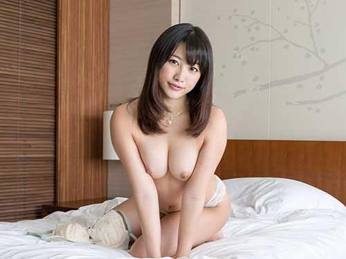 3次元 綺麗なお姉さんの美乳オッパイのエロ画像まとめ 32枚
