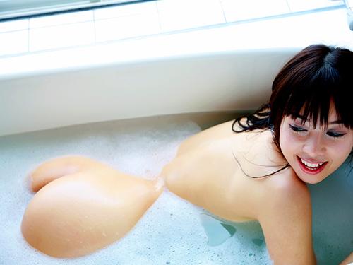 3次元 お風呂の間から見えるお尻が半分以上見えてるエロ画像まとめ 39枚