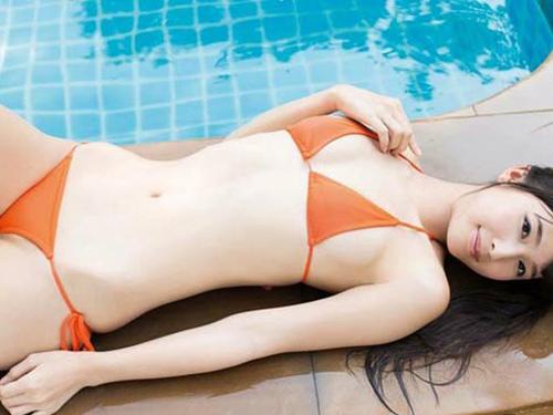 3次元 くびれの女王川崎あやちゃんの可愛すぎるエロ画像グラビア 30枚