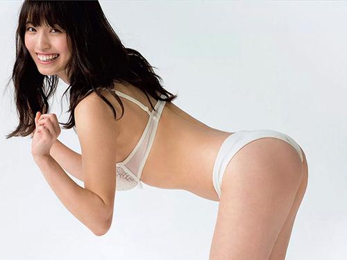 三次 MIYUちゃんの下着グラビアがかなりエロい!この姿は必見!