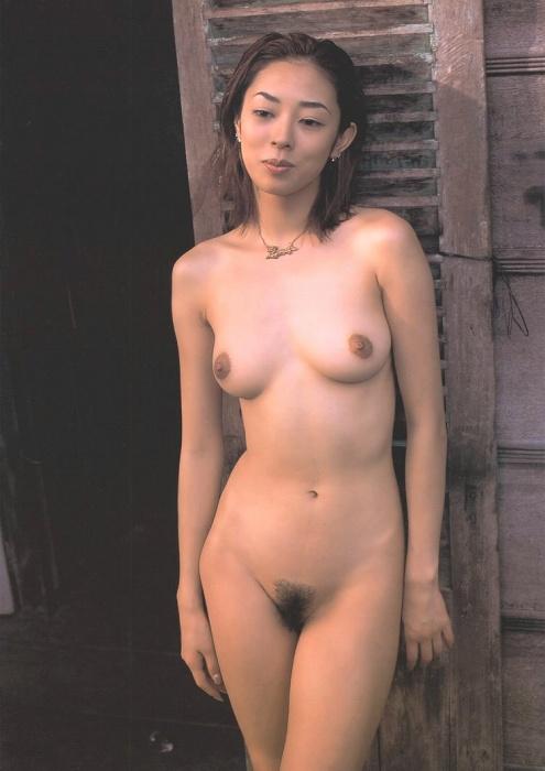 全裸ヌード女優のエロ 画像007