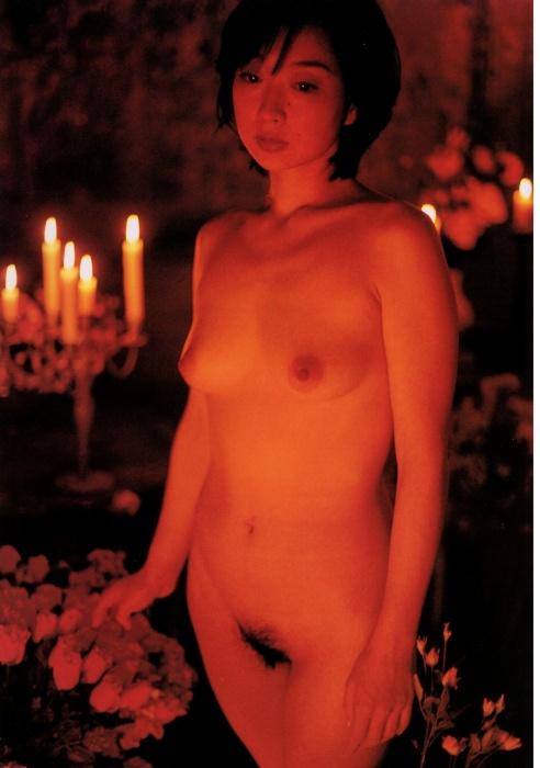 全裸ヌード女優のエロ 画像012