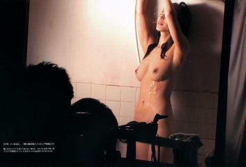 全裸ヌード女優のエロ 画像025
