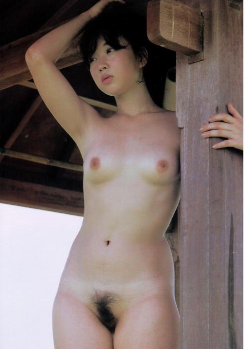 全裸ヌード女優のエロ 画像026