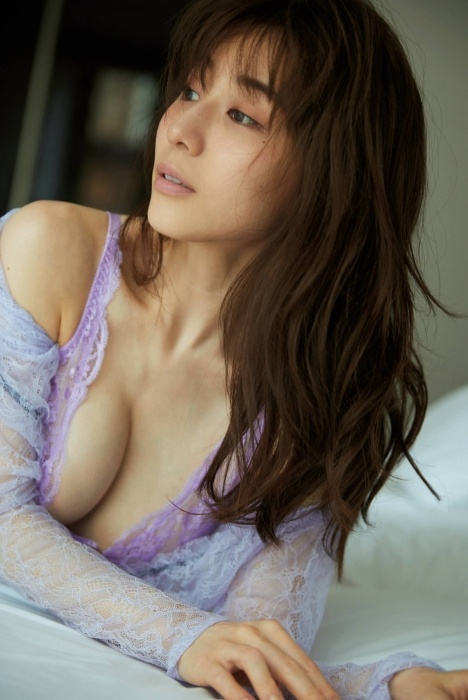 田中みな実の写真集グラビアエロ画像014