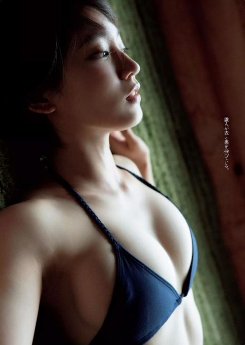 吉岡里帆エロ画像061