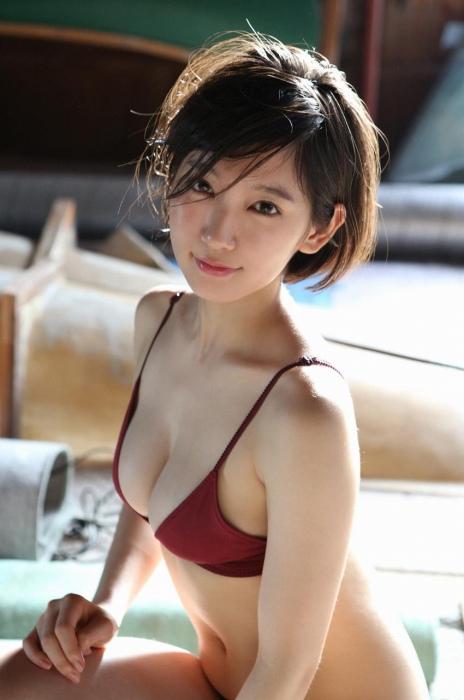 吉岡里帆エロ画像073
