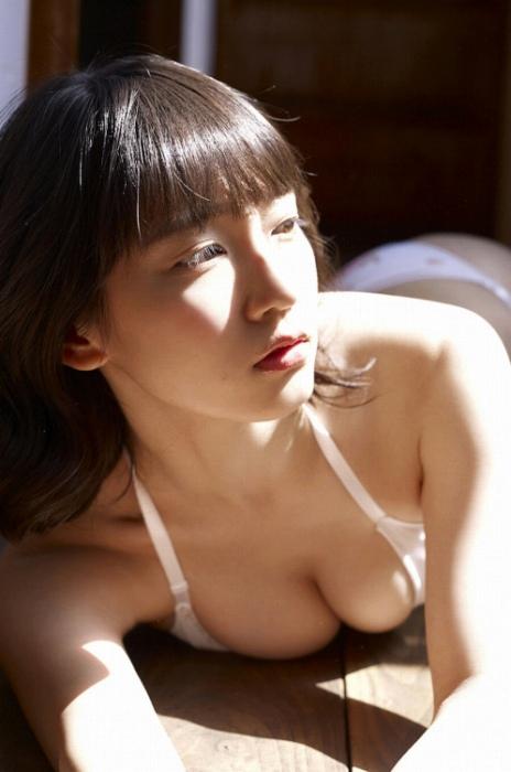 吉岡里帆エロ画像079