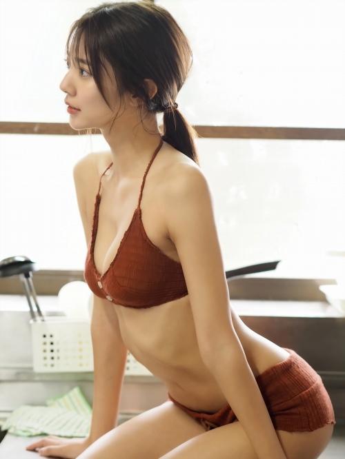 川津明日香エロ画像050