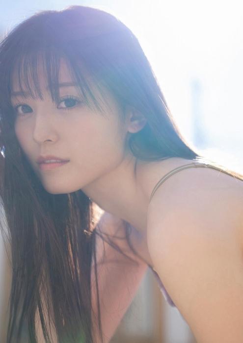 吉井美優の水着グラビアエロ画像010