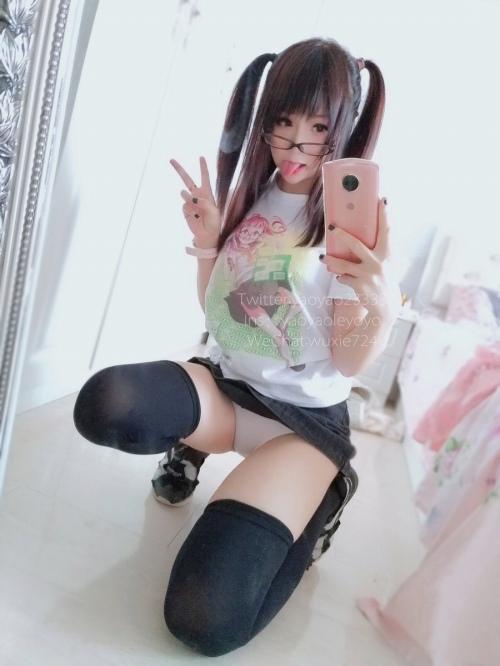 台湾人レイヤーのエロ画像012