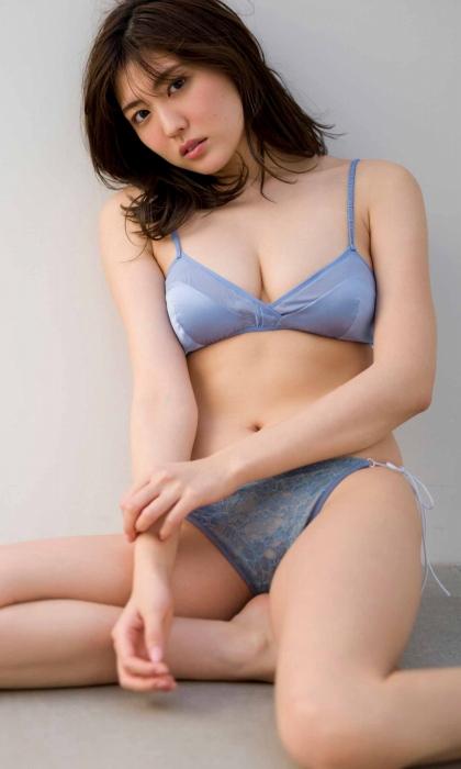 岩﨑名美のエロ画像030