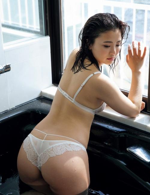 平嶋夏海のエロ画像026