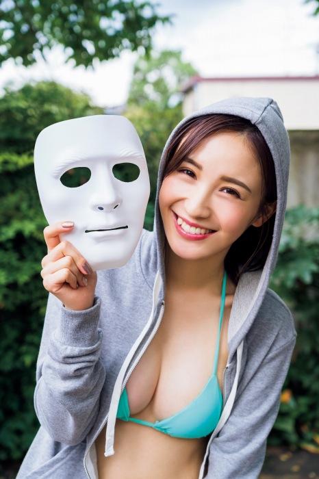 伊藤愛真のエロ画像008