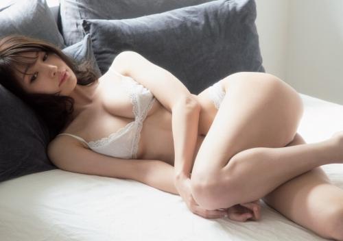 芸能人 似鳥沙也加の超絶美女の美巨乳おっぱいグラビアエロ画像まとめ50枚