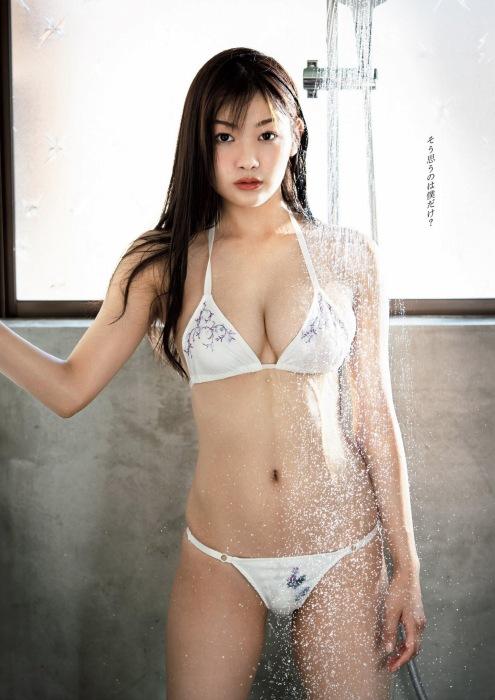 吉澤遥奈のエロ画像005