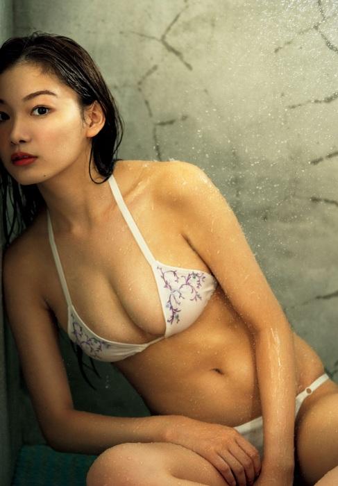 吉澤遥奈のエロ画像007