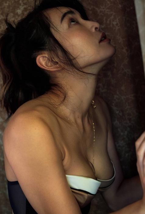長谷川京子のエロ画像006