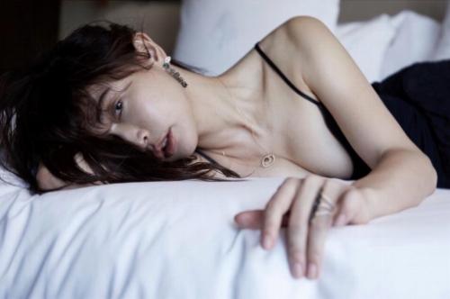 長谷川京子のエロ画像019