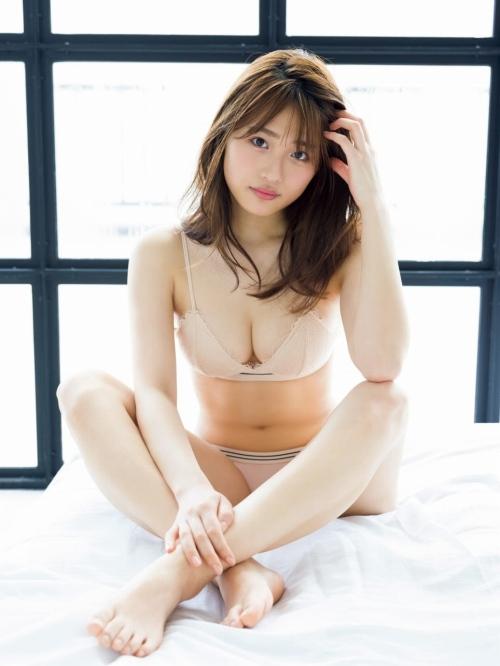 石田桃香のエロ画像037
