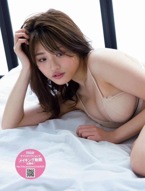 石田桃香のエロ画像043