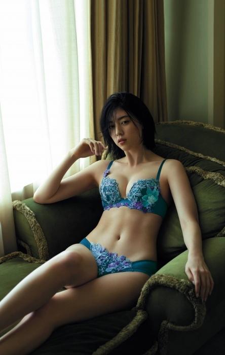 三吉彩花のエロ画像013