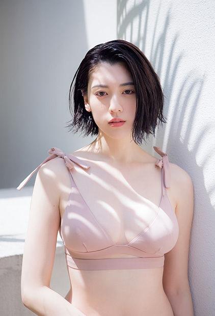 三吉彩花のエロ画像017