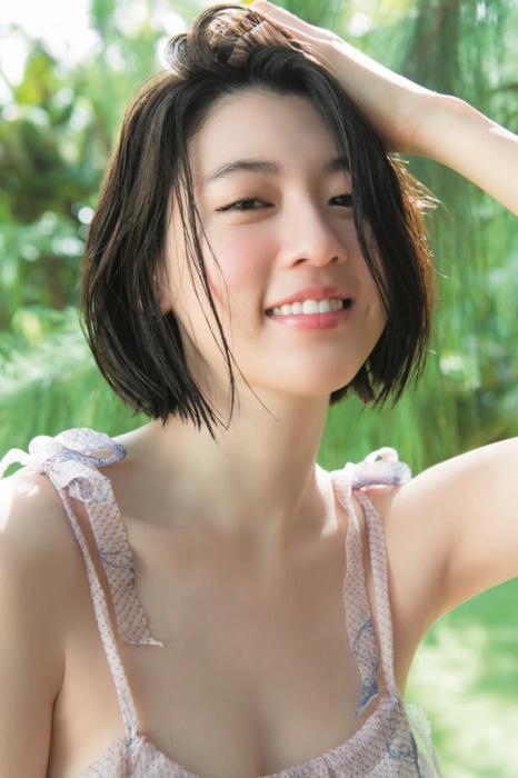 三吉彩花のエロ画像023